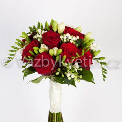 Svatební kytice rudé růže