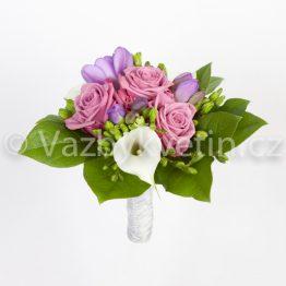 Kytice pro družičku z růží a kal