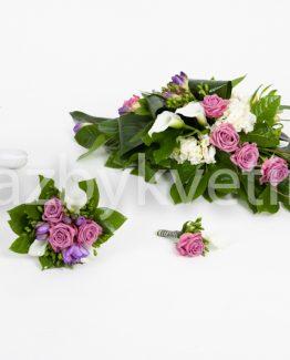 Svatební komplet z růží a kal