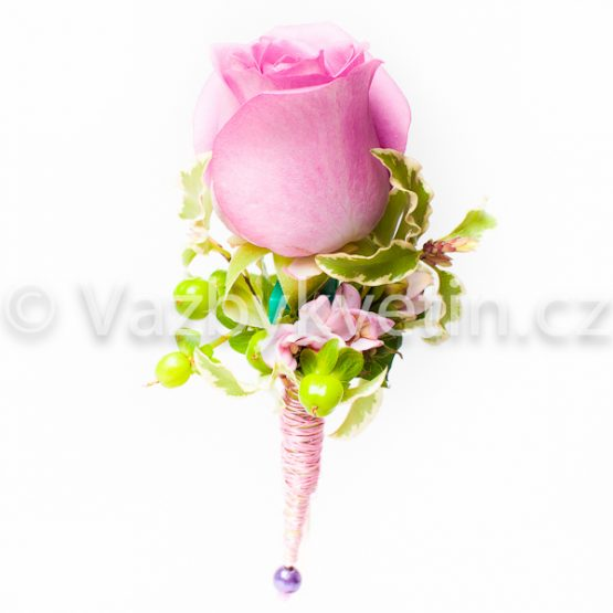 Svatební růže do klopy