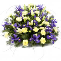 Kytice na rakev žluté lilie, karafiáty a irisy