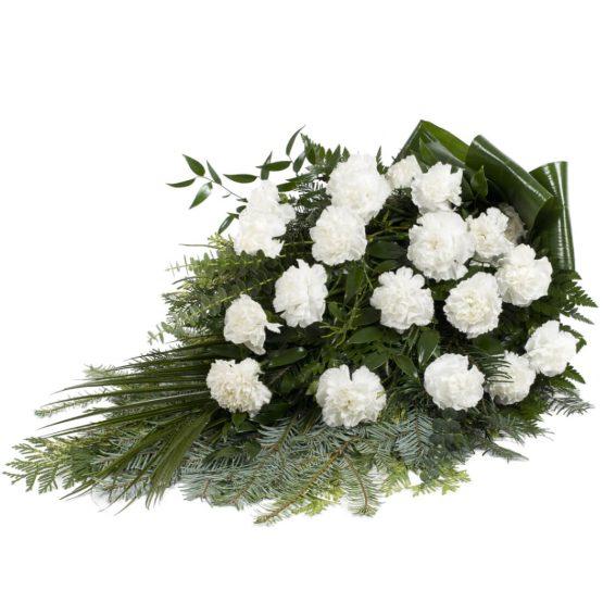 Volně vázaná kytice bílé karafiáty