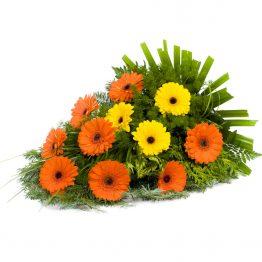 Volně vázaná kytice oranžové a žluté gerbery