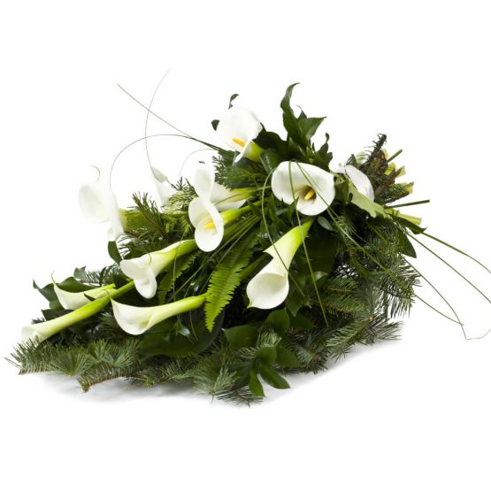 Volně vázaná kytice bílé kaly