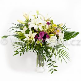 Kytice z bílých lilií