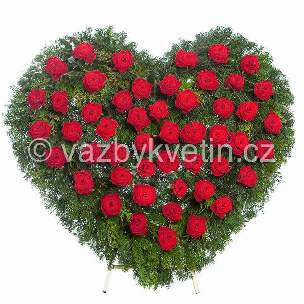 Smuteční věnec srdce rudé růže