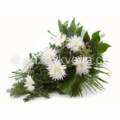 Volně vázaná kytice jednokvěté chryzantémy