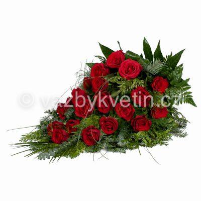 Volně vázaná kytice rudé růže