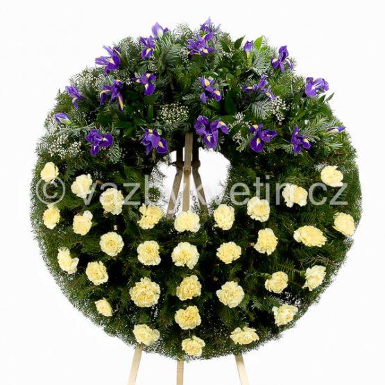 v5b-smutecni-venec-zlute-karafiaty-a-modre-irisy